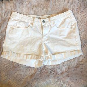 🔴 Mossimo MidRise Midi Super Stretch White Shorts